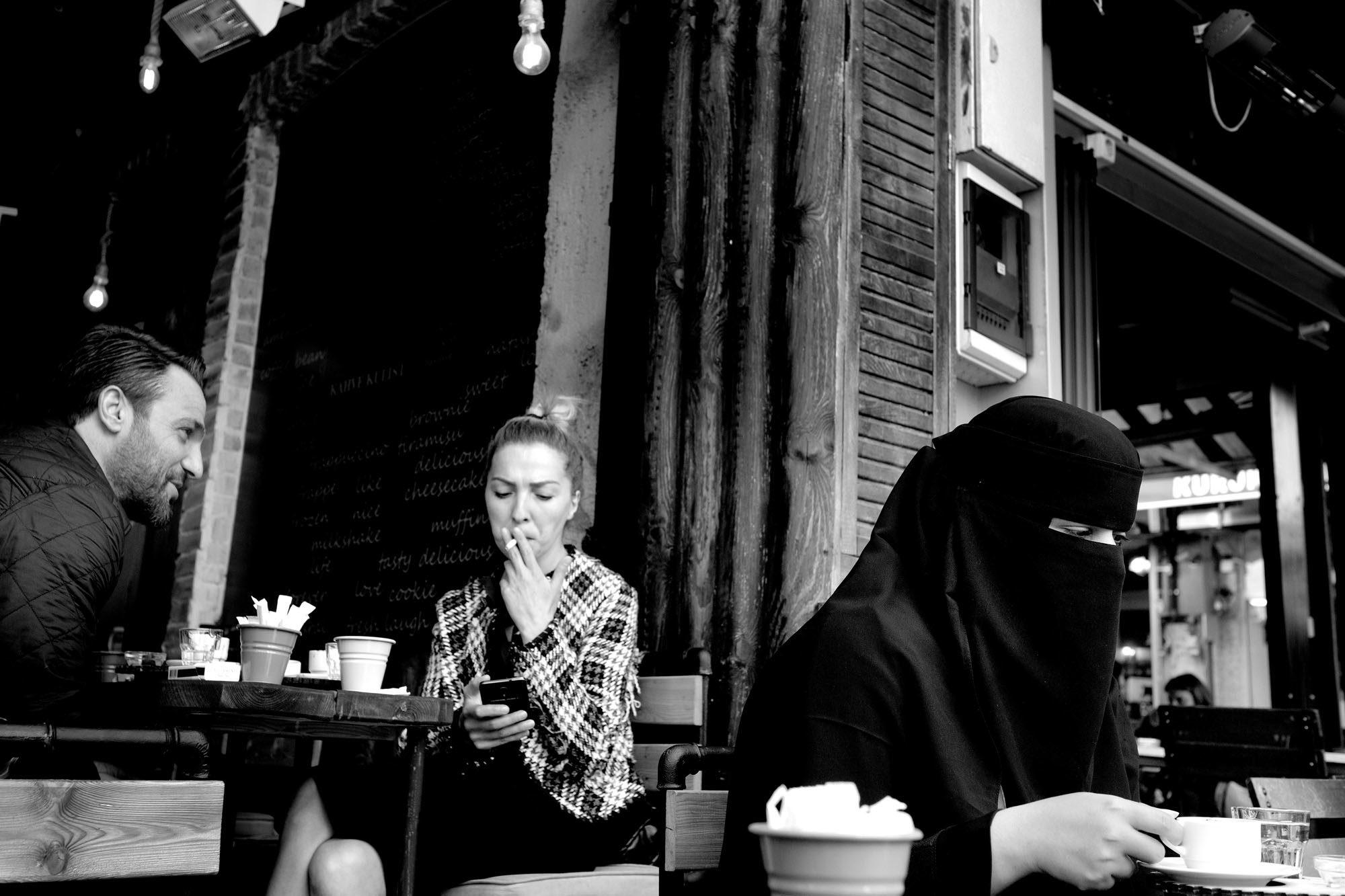 A café in Kadıköy. Photo: Magnus Sundberg / Kontinent